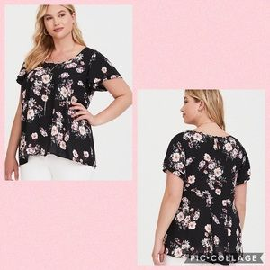 TORRID• black floral flutter sleeve top